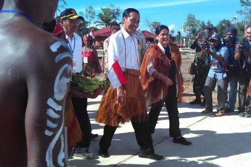 Presiden Jokowi Janji Cek Sinyal Palapa Ring ke Papua