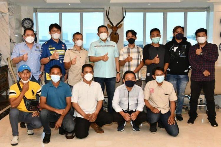 Ketua Umum Ikatan Motor Indonesia (IMI) Pusat Bambang Soesatyo, mendorong agar kejuaraan balap motor Offroad Motocross dan Grasstrack (MX dan GTX) Internasional segera dilaksanakan.