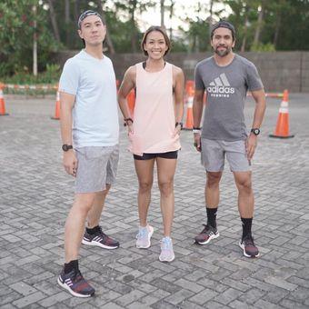 Daniel Mananta, Melanie Putria, dan Fajar Arifan yang ikut mencoba UltraBoost 19