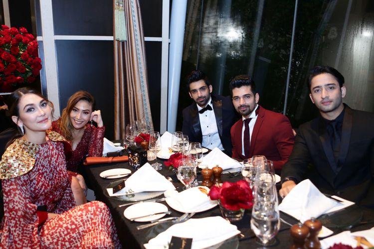 Luna Maya, Ayu Dewi, dan Shaheer Sheikh saat menghadiri Gala Diner HUT ke-50 bos ANTV, Otis Hahijary, di St Regis Hotel, Singapura, Selasa (10/12/2019).