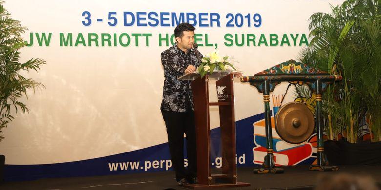 Wakil Gubernur (Wagub) Jawa Timur Emil Elestianto Dardak saat memberikan pembekalan kepada 1.000 peserta Peer Learning Meeting Nasional Transformasi Perpustakaan Berbasis Inklusi Sosial Literasi untuk Kesejahteraan di Surabaya, Jawa Timur, Selasa (3/12/2019).