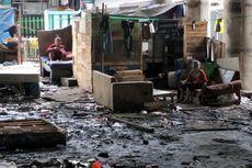 Cerita Warga Kolong Tol Wiyoto Wiyono, Pasrah Tinggal di Antara Tumpukan Sampah