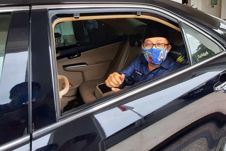 Wali Kota Malang, Sutiaji saat hendak beranjak dari Balai Kota Malang, Kamis (17/12/2020).