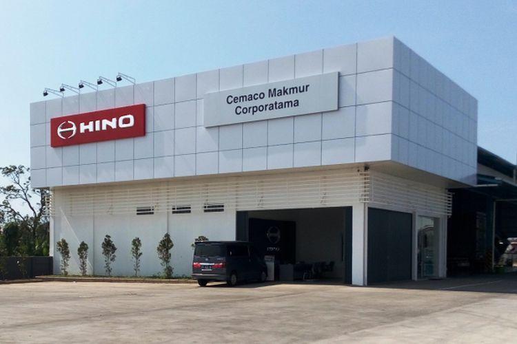 Hino Motors Sales Indonesia (HMSI) meresmikan diler baru di Tegal, Jawa Tengah, Kamis (7/12/2017). Diler baru yang melayani penjualan, servis, dan suku cadang tersebut merupakan pengembangan dari diler lama yang cuma bisa menjual truk-truk Hino.