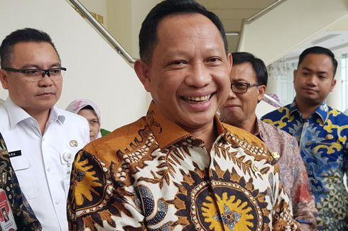 Tito Karnavian Sebut 2 Alasan Dana BOS Akan Langsung Disalurkan ke Sekolah