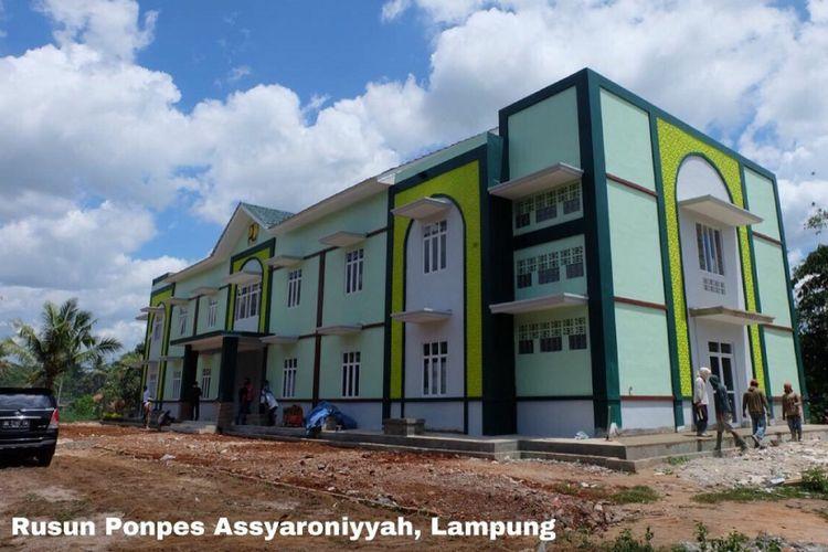 Rumah susun Ponpes Assyaroniyyah, Lampung.