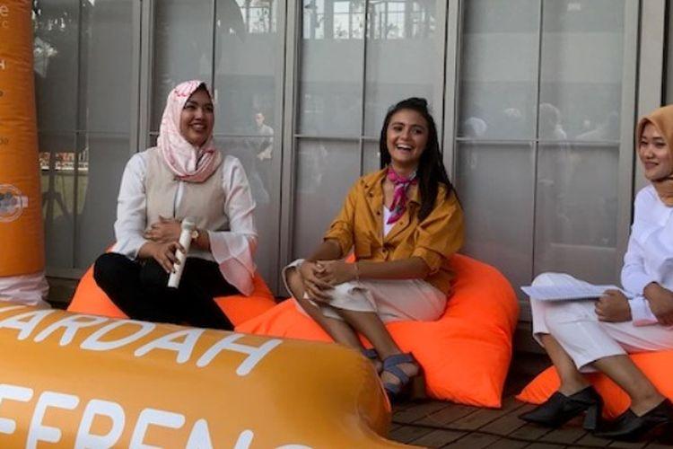 Dari kiri ke kanan: PR Manager Wardah Elsa Maharani, Amanda Rawles, dan dr.Vina Feriza Sp.KK dalam acara talkshow kesehatan kulit remaja di Bandung (17/9/18).