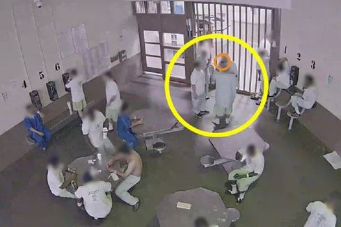 Berharap Terkena Virus Corona, Tahanan Terekam Cium Masker Bekas Pakai