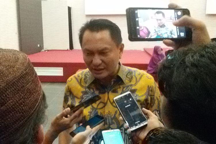 Bambang Patijaya saat menjawab pertanyaan awak media di Pangkal Pinang, Kamis (23/5/2019).