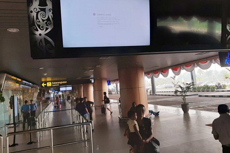 Suasana aktivitas di Bandara Internasional Supadio Pontianak, Kalimantan Barat, Senin (9/9/2019).