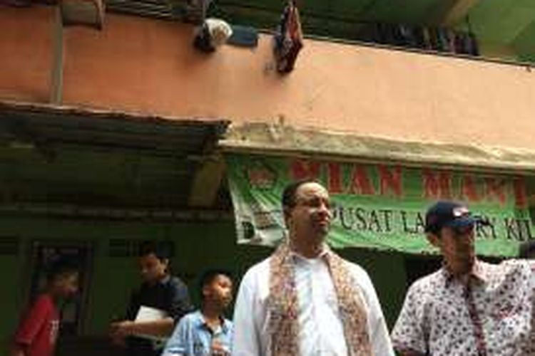 Cagub DKI Jakarta, Anies Baswedan di Rusunawa Bumi Cengkareng Indah, Jakarta Barat, Senin (28/11/2016).