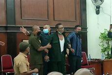 Anggota Fraksi PAN Emosi hingga Buka Baju di Ruang Sidang DPRD