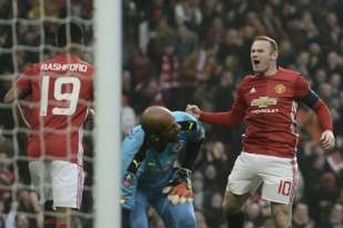 Rooney Samai Rekor Legenda, Man United Lolos