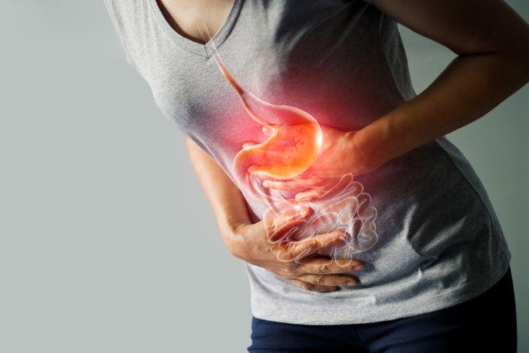 Ilustrasi radang usus buntu. Penyebab usus buntu karena adanya penyumbatan dan peradangan pada usus, gejala usus buntu biasanya nyeri perut, demam hingga mual.