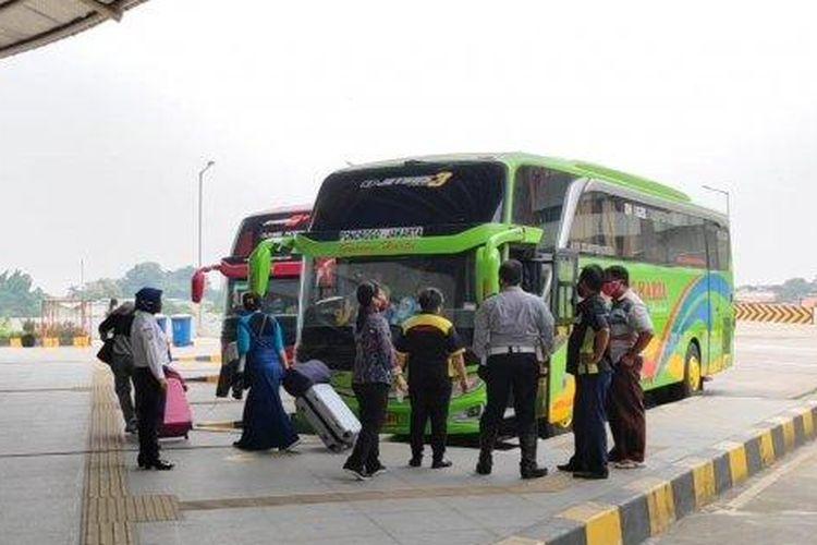 situasi terminal bus akap