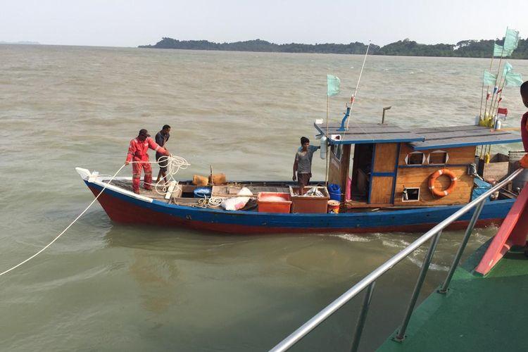 Kapal KM Carolina mengalami mati mesin dan terombang ambing di perairan Pulau Rukan Kundur, Kabupaten Karimun, kepulauan Riau, Selasa (3/9/2019) sore tadi.
