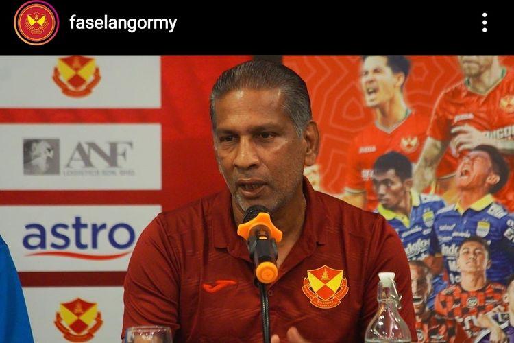 Pelatih Selangor FA, B. Sathinathan.