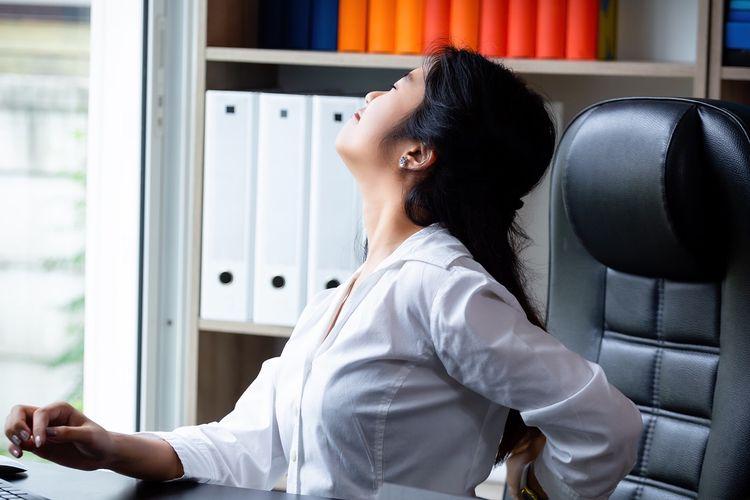 ilustrasi jelang waktu istirahat kantor