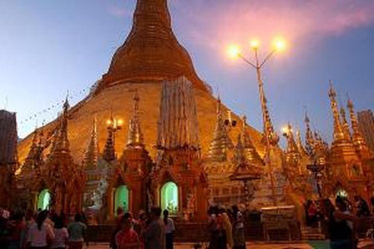 Ke Yangon Melihat Pagoda