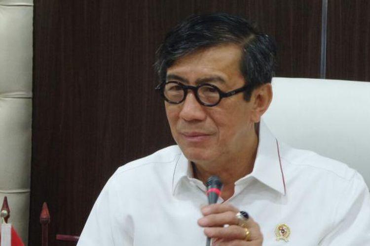 Menteri Hukum dan HAM Yasonna Laoly di Kompleks Parlemen, Senayan, Jakarta, Kamis (19/1/2017)