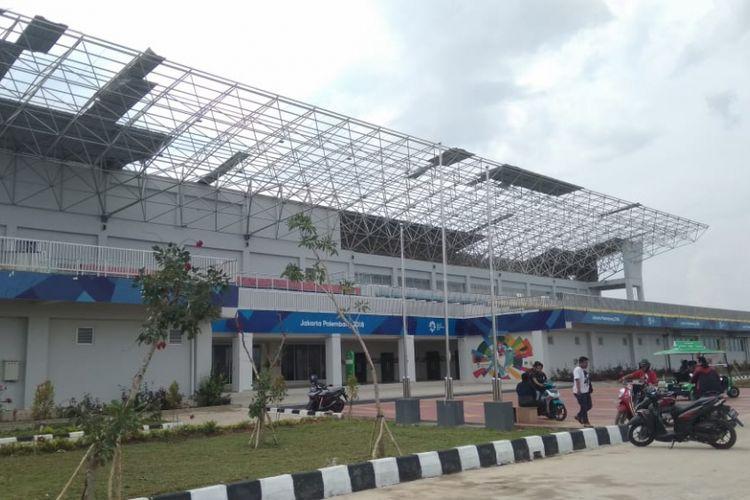 Salah satu venue di kompleks Jakabaring Sport City (JSC) Palembang,Sumatera Selatan mengalami kerusakan di atap usai dihantam angin puting beliung. Dari kejadian tersebut 14 venue mengalami kerusakan ringan dan berat.