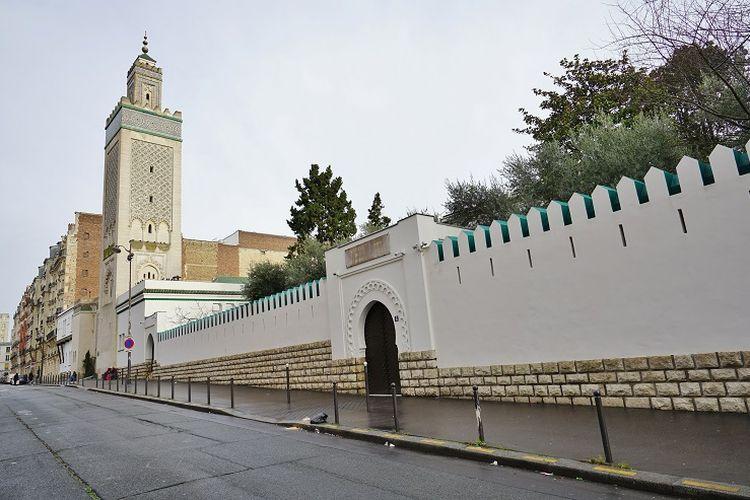 Masjid Raya Paris di Perancis.