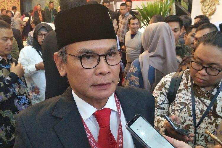 Anggota DPR terpilih periode 2019-2024 Johan Budi saat ditemui seusai pelantikan di Kompleks Parlemen, Senayan, Jakarta, Selasa (1/10/2019).