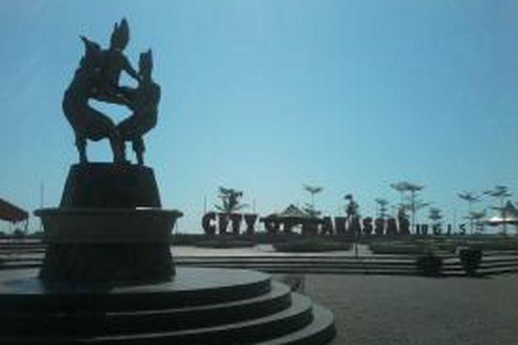 Anjungan Pantai Losari Makassar