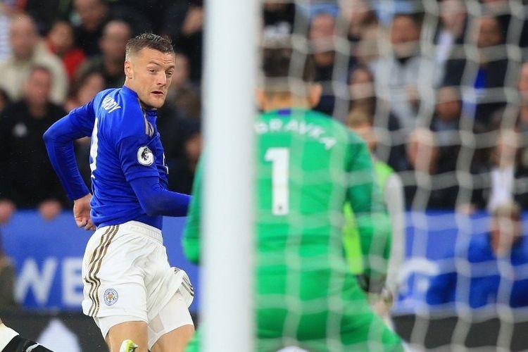 Jamie Vardy mencetak dua gol pada pertandingan Leicester City vs Newcastle United di Stadion King Power dalam lanjutan Liga Inggris, 29 September 2019.