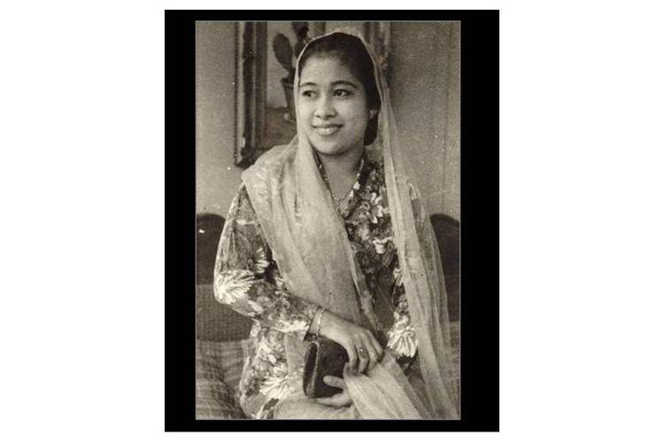 Ibu Fatmawati Soekarno pada tahun 1947.