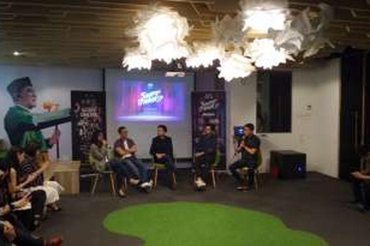 Festival Director Ideafest Chaerany Putri, Co-Founder Ideafest Ben Soebiakto, CEO Tokopedia William Tanuwijaya, dan Co-Founder Indovidgram Benazio Rizki Putra dalam acara Press Session Ideafest 2016 di Kantor Tokopedia, Wisma 77 Tower 2 Lantai 2, Jakarta.