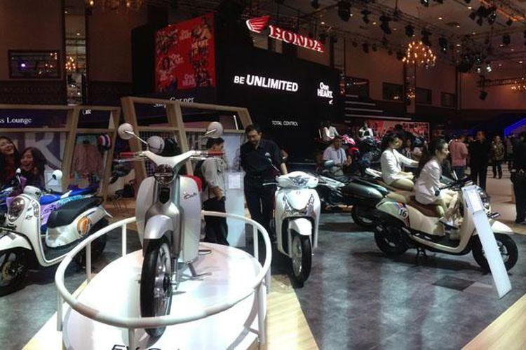Booth Honda di IMOS 2016.