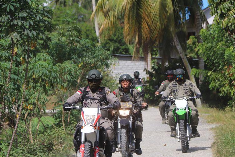 Rombongan Satgas Madago Raya yang dipimpin langsung Kapolda Sulawesi Tengah.