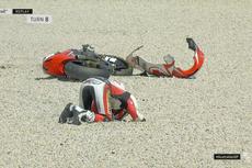 Dimas Ekky Jatuh di FP2 Moto2 Australia, Motornya Terpelanting ke Gravel