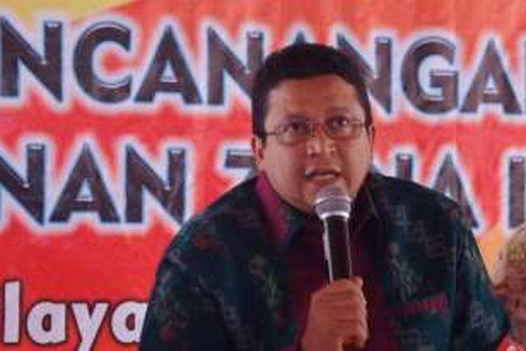 Ketua Badan Pengawas Pemilu R, Muhammad di Gedung Bawaslu, Thamrin, Jakarta, Jumat (3/6/2016)