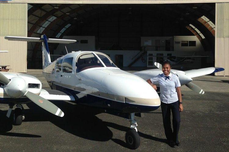 Vanda saat diterima menjadi pilot perempuan angkatan pertama di Garuda Indonesia.