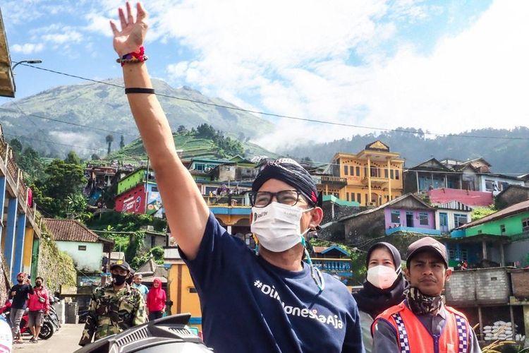 Sandiaga Uno saat mengunjungi Nepal van Java.
