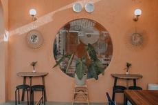 5 Kafe Hits Bergaya Tropis di Surabaya, Serasa Liburan di Bali