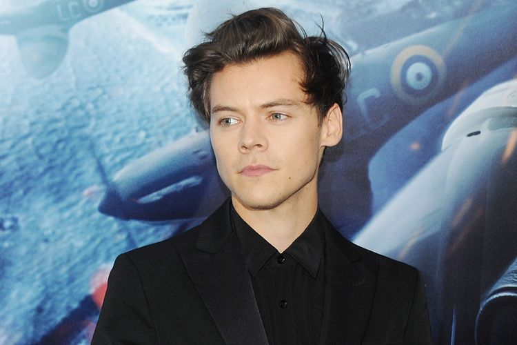 Harry Styles, mantan personel boyband One Direction.