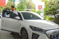 Indonesian Transportation Minister Endorses Electric Cars