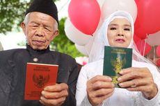 Ikuti Nikah Massal, Kakek dan Nenek Ini Senang Akhirnya Pernikahannya Tercatat