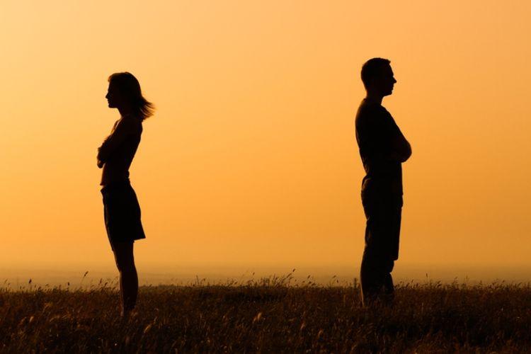 8 Tanda Kamu Harus Akhiri Hubungan Asmara Segera Halaman All Kompas Com