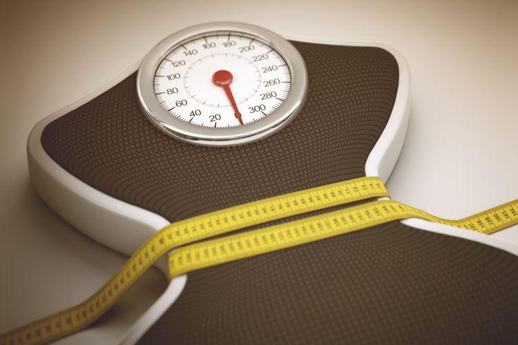 Ilustrasi mengukur berat badan dan lingkar pinggang