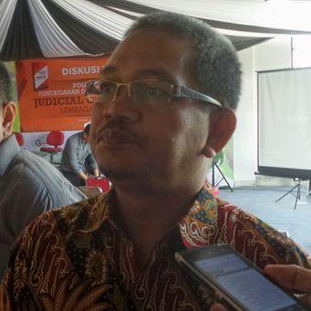 Juru Bicara Komisi Yudisial Farid Wajdi saat ditemui usai menjadi pembicara diskusi Pusat Kajian Kebijakan Publik dan Hukum (Puskapkum) di Gramedia World, Harapan Indah, Bekasi, Jawa Barat, Sabtu (16/9/2017).