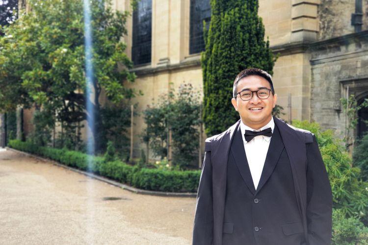 Indra Rudiansyah, warga negara Indonesia yang terlibat dalam penelitian dan pembuatan vaksin Covid-19 di Universitas Oxford, Inggris.