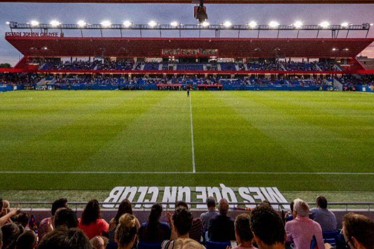Estadio Johan Cruyff, kandang Barcelona B yang berlaga di kasta ketiga Liga Spanyol.