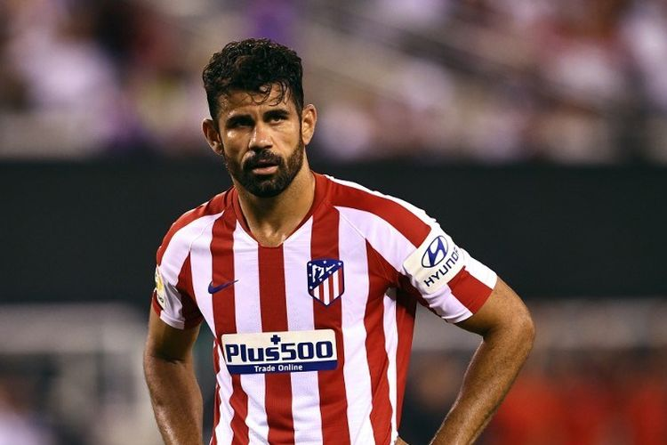 Diego Costa siap mengeksekusi penalti pada pertandingan Real Madrid vs Atletico Madrid dalam lanjutan ICC 2019 di New Jersey, 26 Juli 2019.