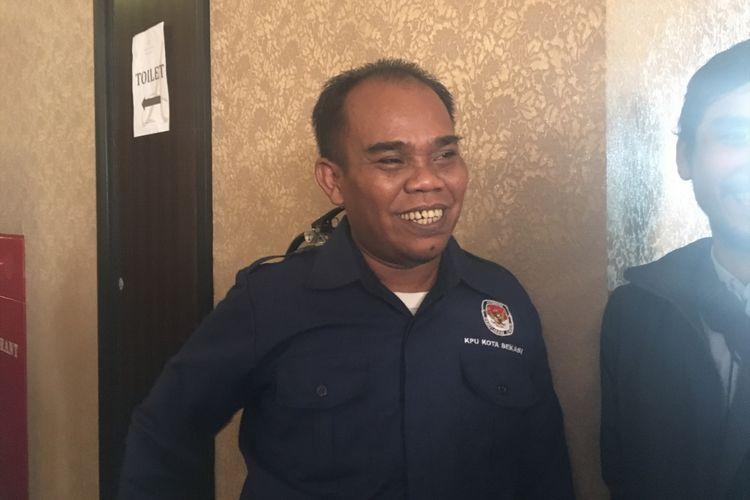 Ketua KPUD Kota Bekasi, Ucu Asmara Sandi saat ditemui di Kota Bekasi, Selasa (22/8/2017).