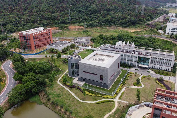 Pemandangan udara ini menunjukkan laboratorium P4 (tengah) di kampus Institut Virologi Wuhan di Wuhan di provinsi Hubei tengah China pada 13 Mei 2020.