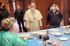 Paus Fransiskus Sidak ke Pusat Vaksinasi bagi Gelandangan di Vatikan